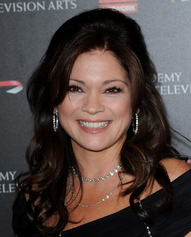 Valerie Bertinelli S Glamorous Curls Gorgeous Hairstyles