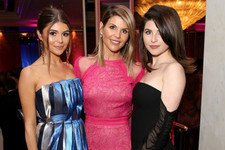 USC Confirms Lori Loughlin's Daughters Are Still Enrolled At The University Despite Bribery Scandal